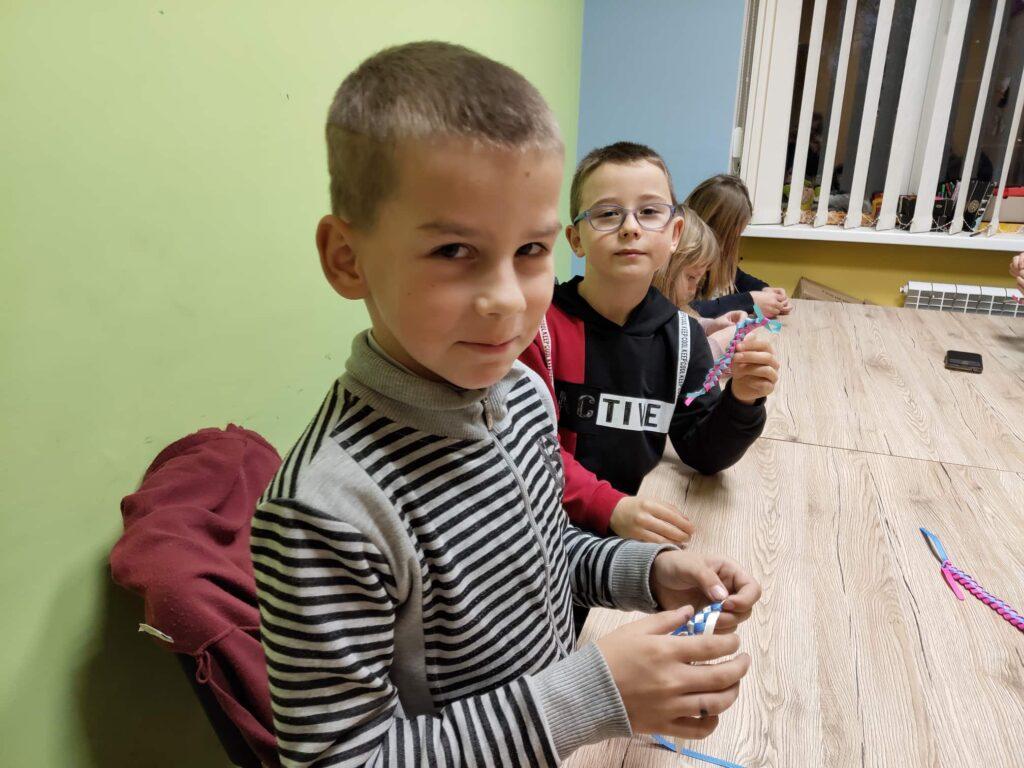 МАЙСТЕР КЛАС З ПЛЕТІННЯ ФЕНЕЧОК